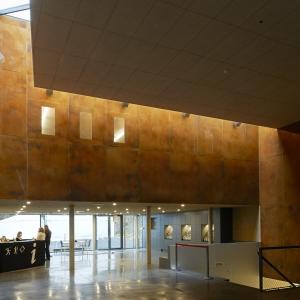 prehistomuseum_hall_entree.jpg